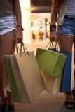 Shopping hänger lös Arkivbilder