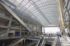 Shopping luxuoso e construção moderna em Singapura Imagens de Stock Royalty Free