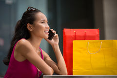 Shopping mall conversation Royalty Free Stock Photography