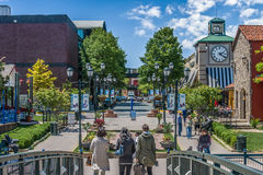Shopping na vizinhança Fotos de Stock Royalty Free