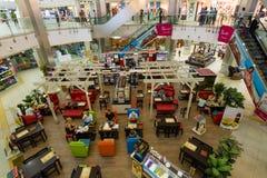 Shopping- och underhållningmitt Arkivbilder