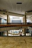 Shopping - Randall Park Mall - Cleveland abandonados, Ohio fotografia de stock