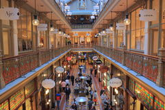Shoppinggalleri Sydney Australia Arkivfoto
