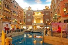 Shoppinggalleria i det Venetian Macaoet Arkivbilder
