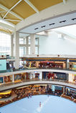 Shoppinggalleria i Singapore Royaltyfri Foto