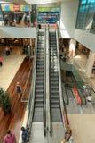 Shoppinggalleria Maremagnum - Barcelona Spanien arkivfoto
