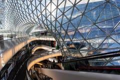 Shoppinggalleria MyZeil i Frankfurt, Tyskland Royaltyfria Bilder