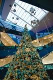 Shoppinggalleria på jul Fotografering för Bildbyråer