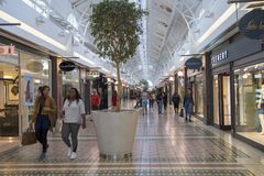 Shoppinggalleria, Victoria och Alfred Waterfront, Cape Town, Sydafrika Arkivfoton