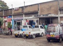 Shoppinggata i Arusha Arkivfoto