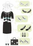 Shoppingkvinnor black den vita klänningen och svarta skor Arkivfoton