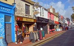 Shops in berühmten Brighton North Laines District, Großbritannien Stockfotos