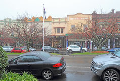 Shops and cars on Leura Mall in Leura, New South Wales, Australi Royalty Free Stock Photography