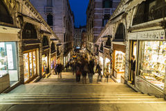 Shops and People along Rialto Bridge Royalty Free Stock Photography