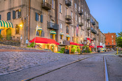 Shops and restaurants at River Street in downtown Savannah in Ge. Orgia USA Stock Photos
