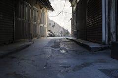 Shopstreet i souksna av Tripoli, Libanon Royaltyfri Bild
