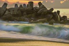 Shorebreak 免版税库存图片