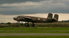 Shoreham Airshow 2014年- B25j米歇尔着陆 免版税库存图片
