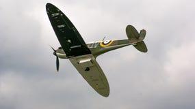 Shoreham Airshow 2014 - parata aerea delle spitfire immagini stock