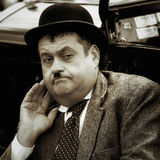 SHOREHAM-BY-SEA VÄSTRA SUSSEX/UK - AUGUSTI 30: Oliver Hardy looka Royaltyfria Bilder