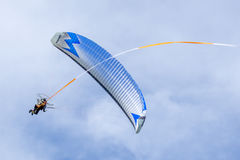 SHOREHAM-BY-SEA, WEST SUSSEX/UK - AUGUST 30 : Powered hang glide Stock Photos