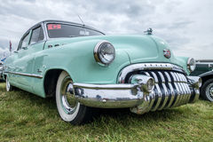 SHOREHAM-BY-SEA, ZACHODNI SUSSEX/UK - SIERPIEŃ 30: Stary Buick Osiem pa obrazy stock