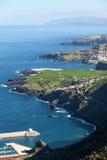 Shoreline de partie nord d'île de Ténérife avec l'Océan Atlantique bleu Vue aérienne aux plantations de bananes vertes Canari, Es Photo libre de droits