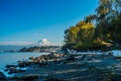 Shoreline och mer regnig 6 Arkivbilder