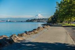 Shoreline och mer regnig 4 Arkivfoto