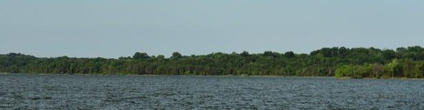 Shoreline panoramique Percy Priest Lake 2 image stock