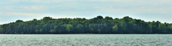 Shoreline panoramique Percy Priest Lake 11 photographie stock libre de droits