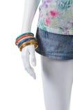 Short da sarja de Nimes e braceletes coloridos Imagens de Stock Royalty Free