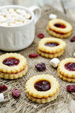 Shortbread cookies with cranberry jam Royalty Free Stock Photos