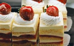 Shortcakes da morango a ir Fotos de Stock Royalty Free