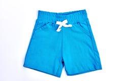 Shorts blu-chiaro del cotone del ragazzo del bambino Immagini Stock Libere da Diritti