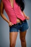Shorts da portare della ragazza sveglia Fotografia Stock Libera da Diritti
