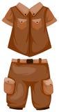 Shorts de acampamento com camisa Fotografia de Stock Royalty Free