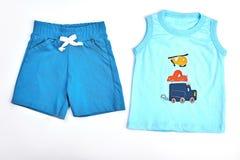 Shorts e maglietta del cotone del neonato Fotografia Stock Libera da Diritti