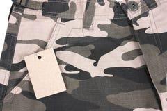 Shorts marroni della tasca del camoflauge di tono del primo piano con Fotografie Stock Libere da Diritti