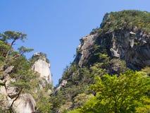Shosenkyo峡谷以新绿色在甲府,山梨,日本 免版税库存图片