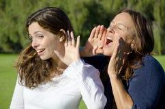 Shouting e escutar entre duas gerações Fotografia de Stock Royalty Free