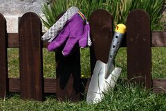 Shovel and gloves Royalty Free Stock Photos