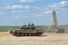 Show av militär utrustning Arkivfoton