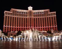 show för bellagio fontainnatt royaltyfria bilder