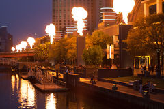 Show för kronakasinobrand på natten Royaltyfri Bild