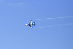 Show F-16 på barns dag på kungligt thailändskt flygvapen för Korat vinge 1 Fotografering för Bildbyråer