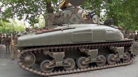 Show f?r Wiederinkraftsetzung von amerikanischen Milit?rfahrzeugen ww2 stock video