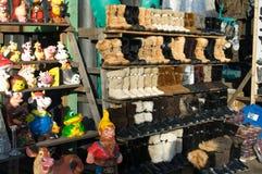 Showcase com os carregadores mornos do inverno Fotografia de Stock