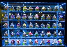 Showcase van roomijs in nacht Bazar, markt in Chiang Mai, Thailand royalty-vrije stock foto's