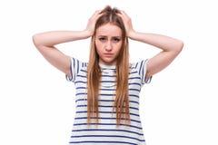 Shower för ung kvinna som hon inte önskar att höra från dig Arkivfoto
